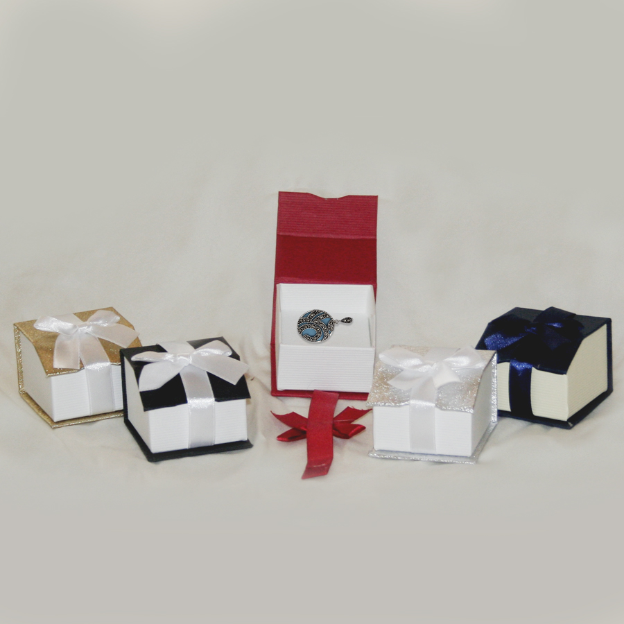Magnetic Ribbon Ring Boxes- 2 1/8